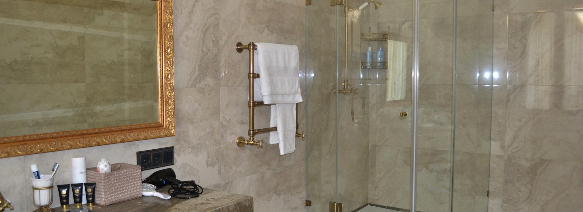 Остекление душевых и ванн