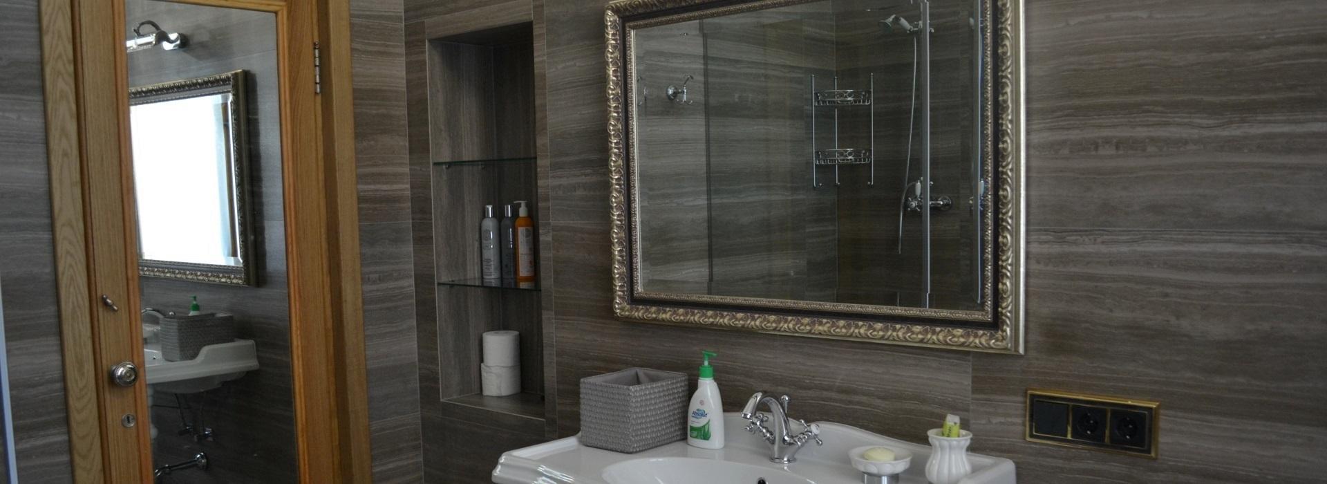 Стёкла и зеркала в интерьере